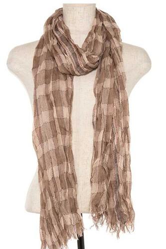 Squared pattern fringe end oblong scarf