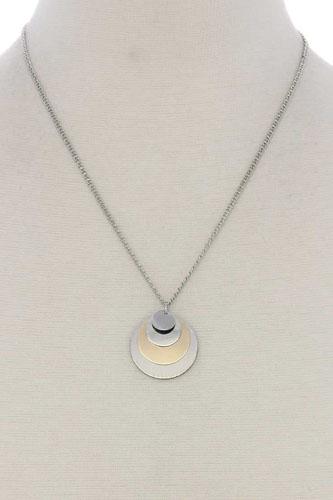 Circle linked pendant short necklace