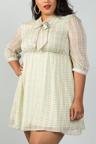 Ladies fashion plus size green bird print tie-neck dress with keyhole back