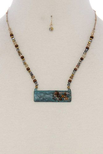 Patina rectangular shape open beaded pendant short necklace