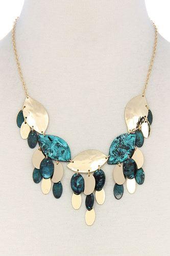 Multi leaf pattern chunky necklace