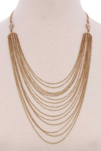 Multi layered short necklace