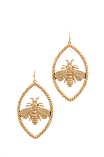 Trendy Bee Oval Earring