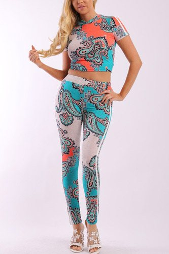 Floral Print And Striped Side Contrast 2 Pieces Set Includes A Hooded Cropped Top With Short Sleeves And A High Waist Full Leggings
