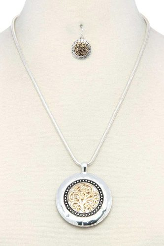 Filigree Round Metal Pendant Necklace
