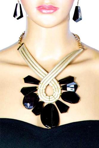 Milky Stone Necklace