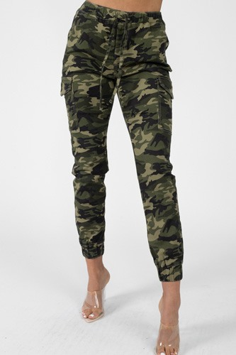 Camo Print Cargo Ankle Pants