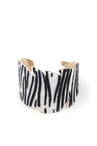 Leaf Cut Out Pattern Cuff Bracelet