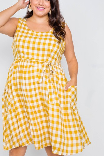 Plus Size Scoop Neck Side Pockets Checkered Gingham Midi Dres