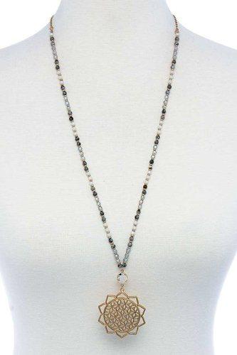 Stylish Sun Flower Pendant Beaded Necklace