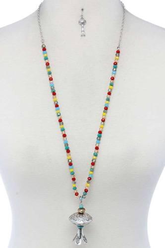 Metal Pendant Beaded Necklace