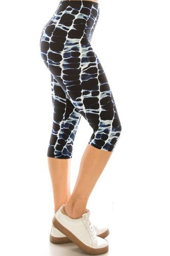 Abstract Print, High Waisted Capri Leggings In A Fitted Style With An Elastic Waistband.