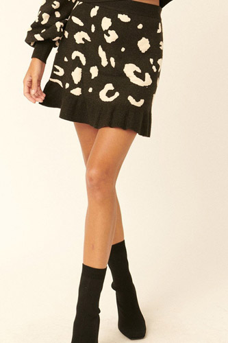 A Leopard-print Knit Mini Skirt